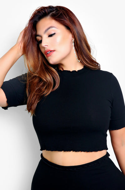 Black Flutter Hem Crew Neck Short Sleeve Crop Top Plus Sizes
