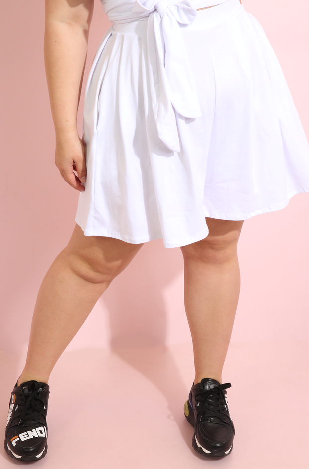 White  Pleated Shorts With Pockets Plus Sizes