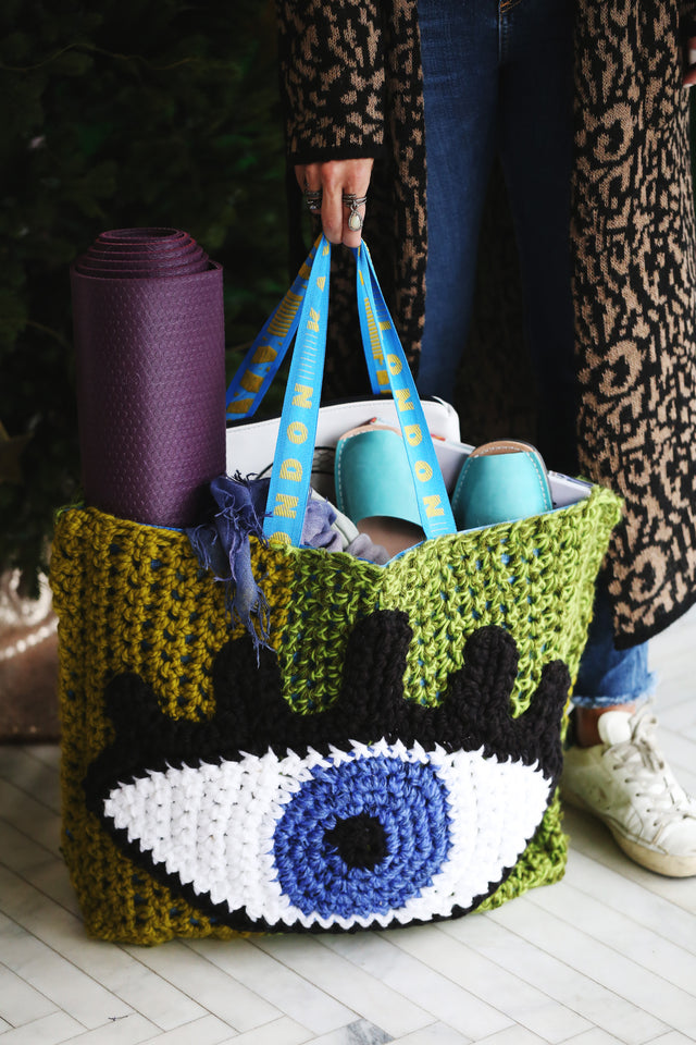 london kaye crochet artist