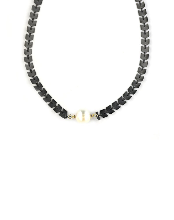 The Chloe Choker: White Pearl & Black Arrow Chain