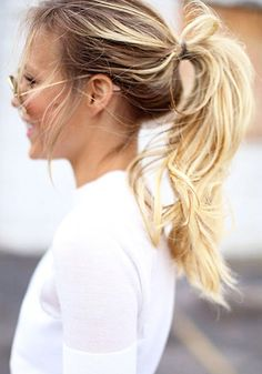 3 easy halo extension hairstyles sitting pretty halo hair extensions the key to achieving a tousle pony tail with a sitting pretty halo extension is to ensure the sides of the halo are flat and covered by your own hair first pmusecretfo Images