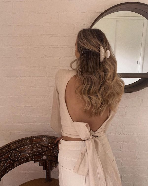 easy hair styles with halo hair extensions pulled back