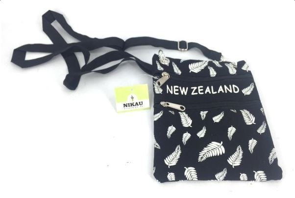 NZ PASSPORT BAG FERN