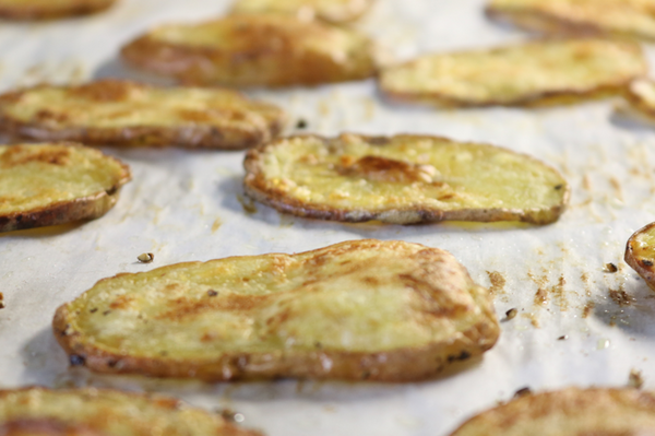 Coconut Oil Oven Roasted Crispy Potato Slices - crispy, crunchy, healthy, and simple...yes please | saltsole.com