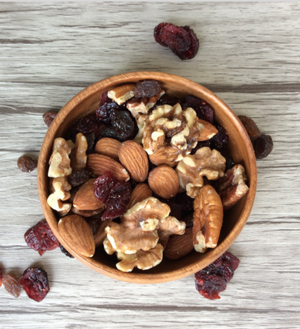 Roasted Mixed Nuts with Cranberries and Raisins - to get set up for the week make these grab-and-go snacks