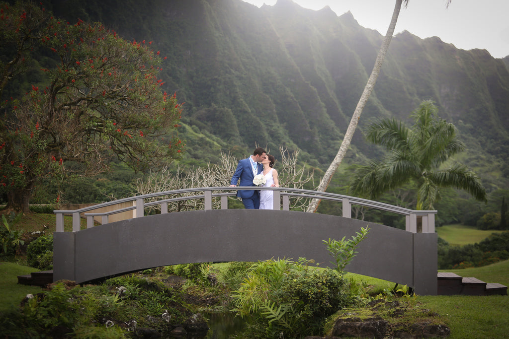 Laura and Jonathan Marry at Waimanalo Bay Beach, Hawaii