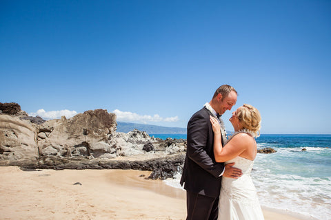 🌺 Oneloa Bay | West Maui | Hawaii Beach Weddings & Elopements | Married with Aloha, LLC