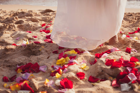Scattered Rose Petals , Flowers & Lei's - Hawaii Weddings, Married with Aloha, Hawaii - 3