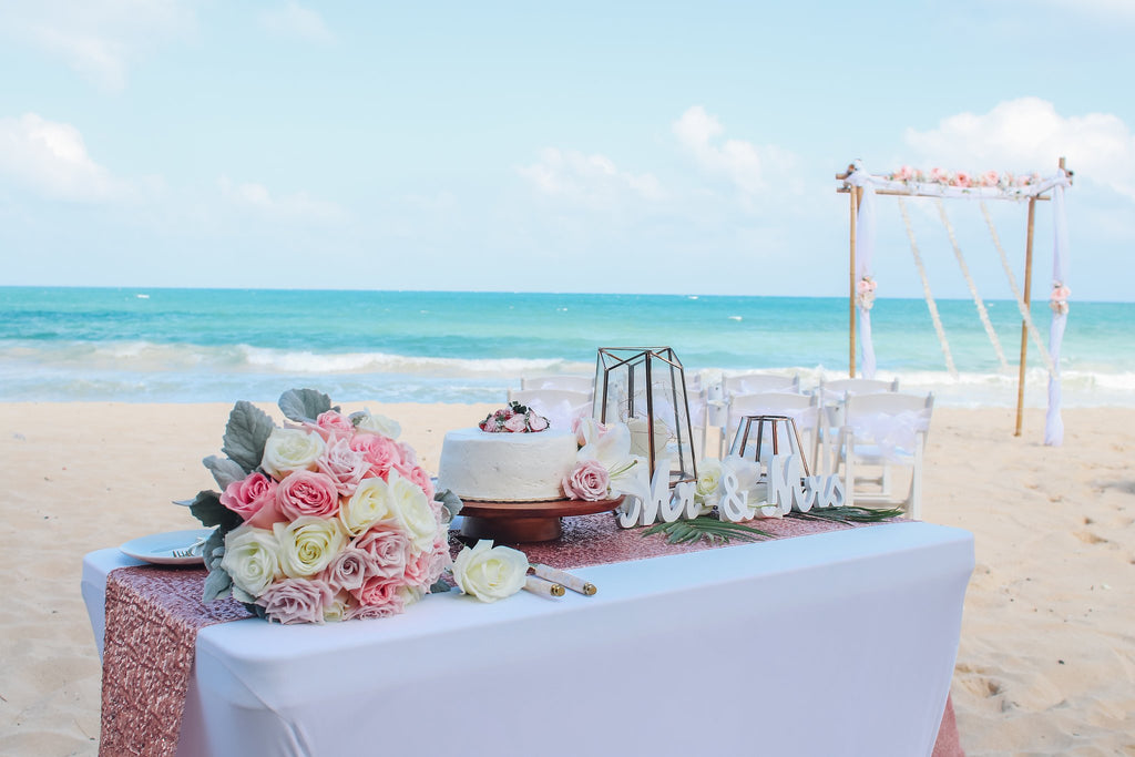 Arch and chair wedding package in oahu hawaii married for Aloha package homes