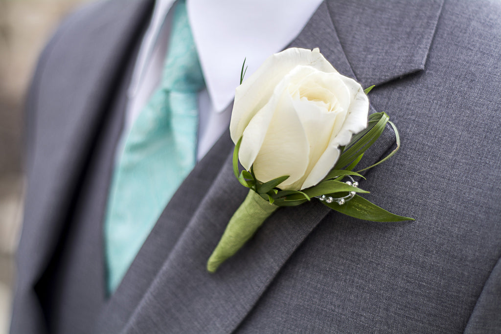 Grooms Boutonniere | Hawaii Beach Weddings & Elopements | Married with Aloha, LLC