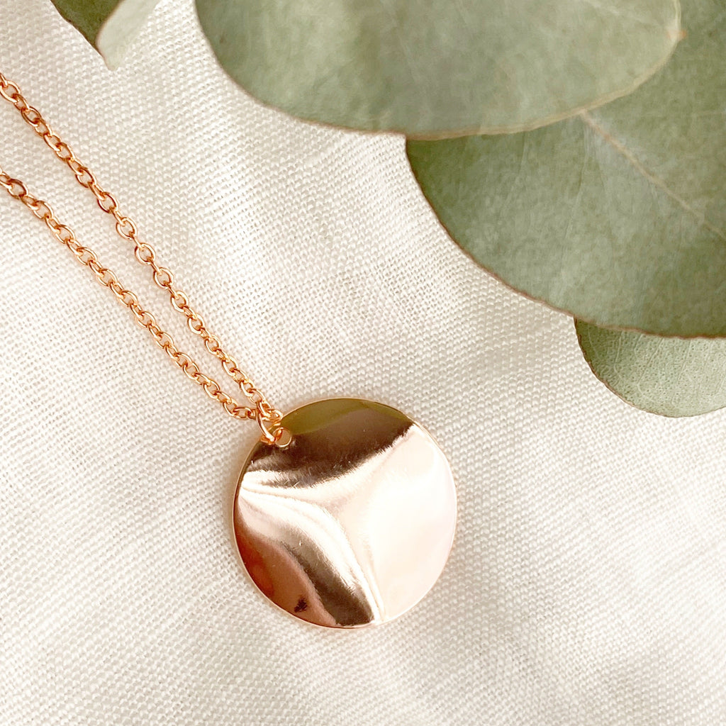 Waved Rose Gold Pendant Necklace - Blush & Co.