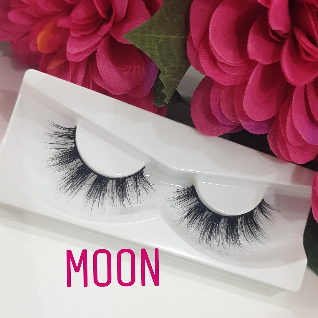 Ohoud Lashes - Moon