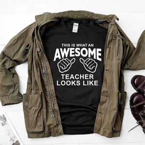 This is what an awesome teacher looks like- Ultra Cotton Short Sleeve T-Shirt - DFHM61