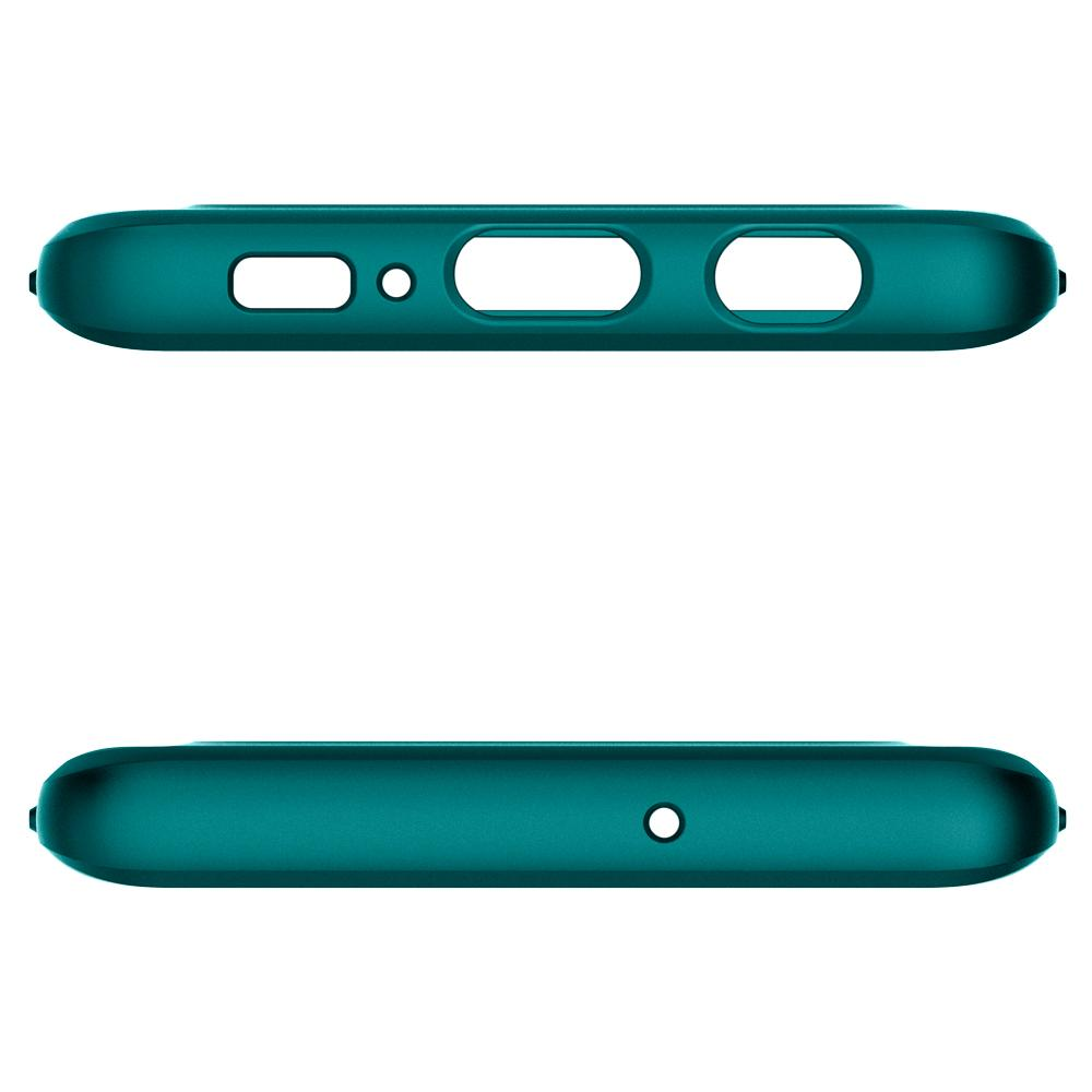 Thin Fit Classic	Green Case	showing the top and bottom with precise cutouts.