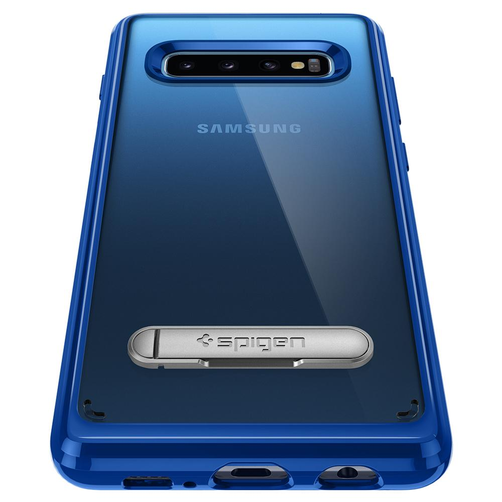 Ultra Hybrid S	Prism Blue	Case	showing the back design on the	Galaxy S10	device.