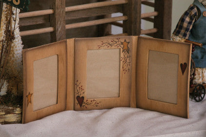 Picture Frame - Three Fold - Star/Heart