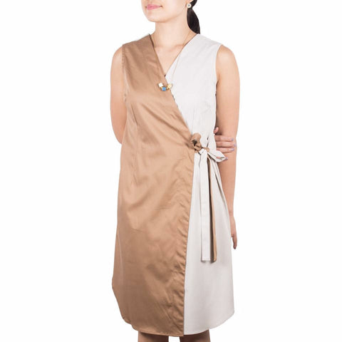 Wrap Dress in Hazel & Cream Cotton Tencel. Shop online sleeveless wrap dress in soft Japanese brown & cream cotton tencel, with self-tie at waist and flattering v front. Drapes elegantly. Designed and made in Singapore.