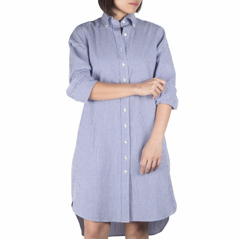 Nami Sleeved Shirtdress in Blue Gingham Cotton Seersucker. Shop online sleeved shirtdress in Japanese blue gingham cotton seersucker with button-down collar, relaxed fit. Made in Singapore. International shipping.