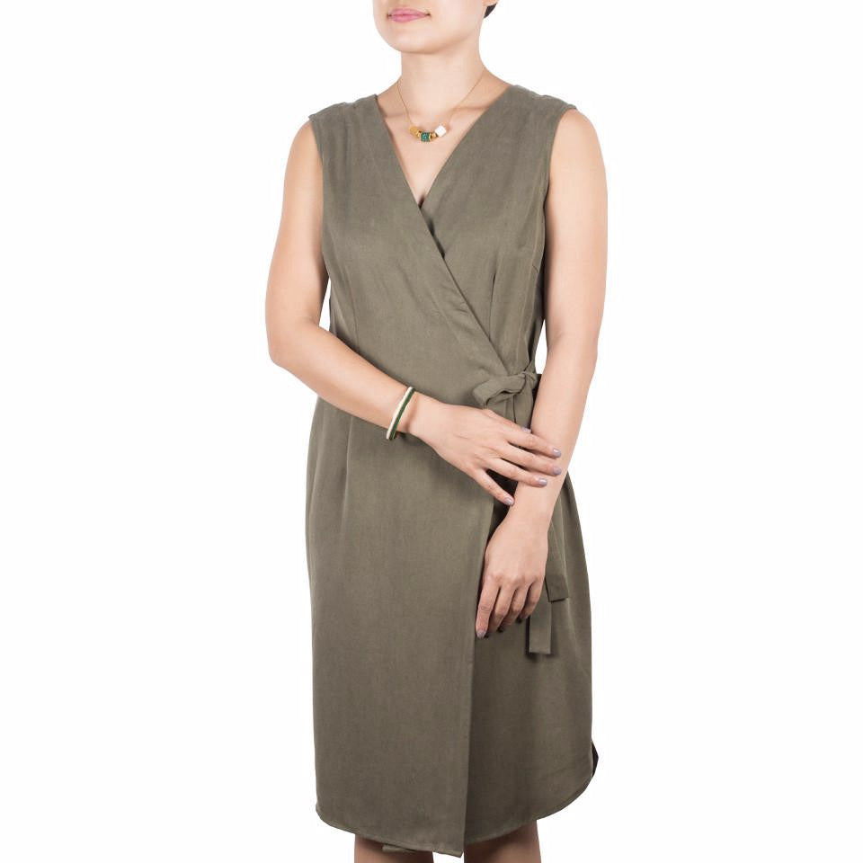 Arete Goods Wrap Dress in Olive and EDEN + ELIE Everyday Necklace & Bangle in Emerald