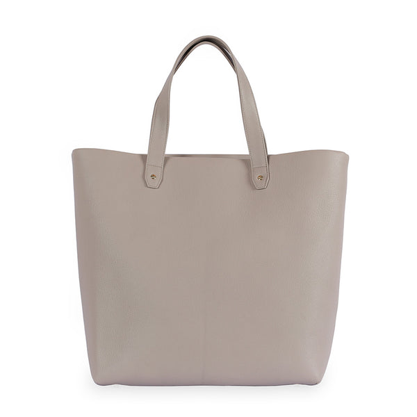 Penta Goatskin Leather Tote & Pouch in Latte. Shop online tote and pouch, made of goatskin leather from South of France, fully lined with goat suede. Designed in Singapore, made in Spain. International shipping.