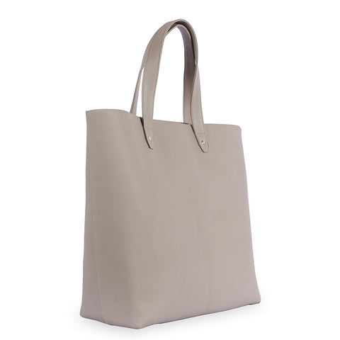 Penta Goatskin Leather Tote in Latte. Shop online beige tote, made of vege-tan goatskin leather from South of France, fully lined with goat suede. Designed in Singapore, made in Spain. International shipping.