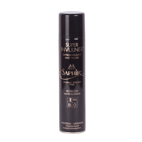 Saphir Medaille D'or Super Invulner Spray. Shop online Saphir waterproofing spray that guarantees a higher level of water and stain protection. Suitable for use on Arete Goods ballet flats.