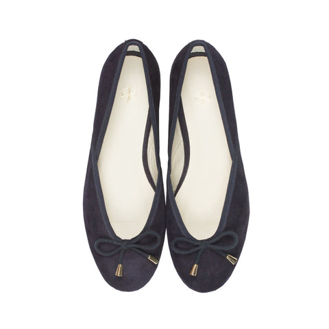 Vera Suede Ballet Flats in Midnight. Shop online navy ballerina flats with goat suede uppers, calf leather lining and cow leather outsoles. Designed in Singapore, made in Spain. International shipping.