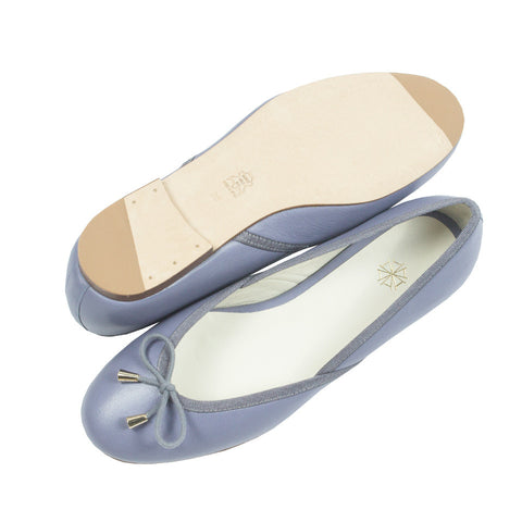 Shop online pastel blue ballerina flats with calf leather uppers, calf leather lining and cow leather outsoles. Designed in Singapore and made in Spain. International shipping.
