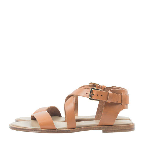 Caballo Sandals in Honey. Shop online brown sandals with vegetable-tanned cow leather straps, calf leather insole and cow leather outsoles. Designed in Singapore and made in Spain. International shipping.