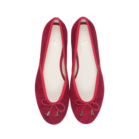 Shop online red ballerina flats with goat suede uppers, calf leather lining and cow leather outsoles. Designed in Singapore and made in Spain. International shipping.