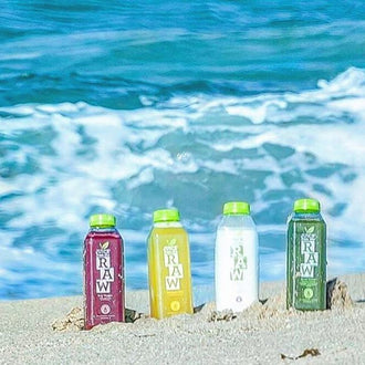 Last licks of summer calls for fresh sips of green juice! ☀️🌊🏄🏼Show us where you're taking your favorite