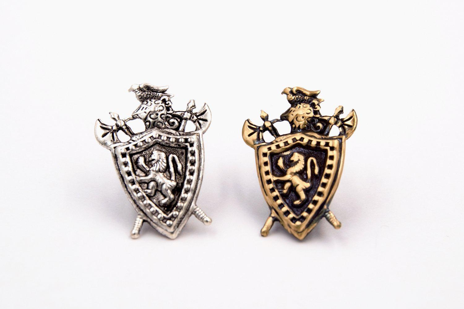 Medieval Knight Shield with Rampant Lion Tie Tack (Men's Jewelry, Silver Plated or Antiqued Brass) fripparie