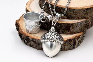 Peter Pan Kiss Thimble & Acorn Couples Necklaces (Romantic Jewelry) fripparie