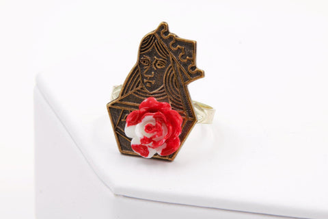 Queen of Hearts Painting the Roses Red Ring (Alice in Wonderland Jewelry, Brass) fripparie