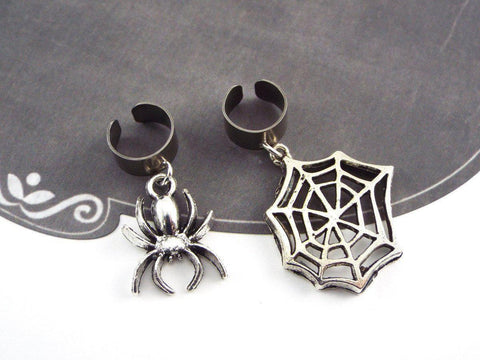 Spider and Web Gothic Ear Cuffs, Set of 2 fripparie