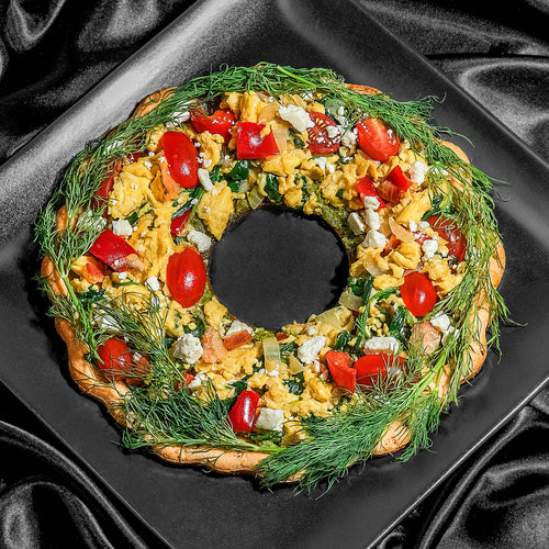 Holiday Wreath Breakfast Pizza