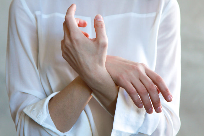 What is the difference between chronic joint pain and arthritis?