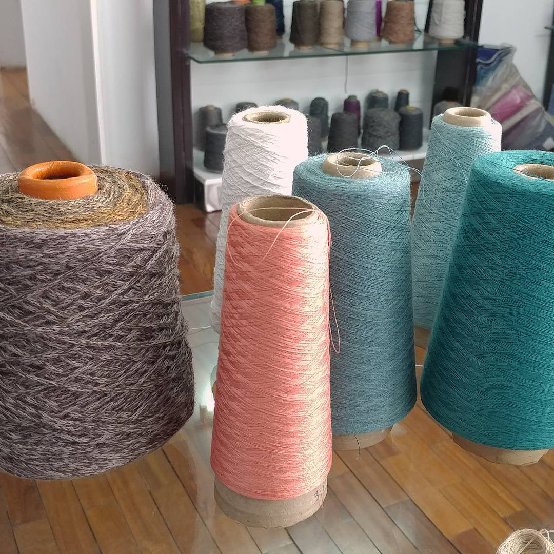 Selecting Yarns.