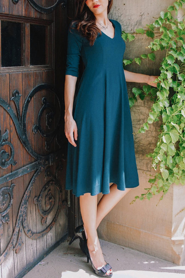 Adèle - v-neck a-line midi dress