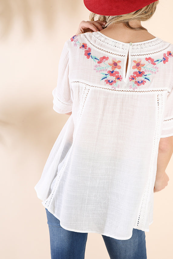 White Floral Embroidery Short Sleeve Top