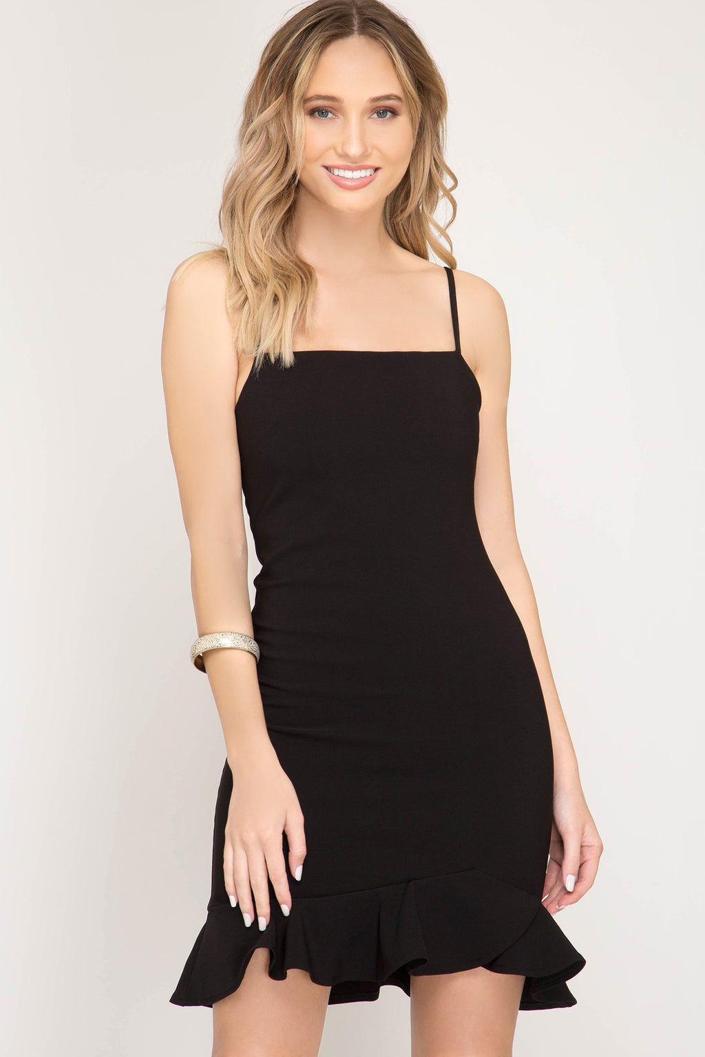 Black Sleeveless Heavy Knit Ruffled Bottom Dress