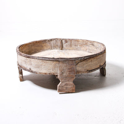 IFU0119-66 D Vintage Indian Grinder Table