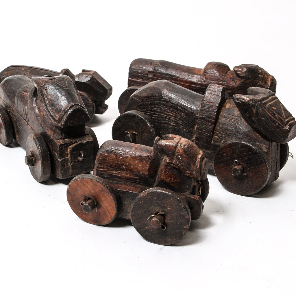 IDE0618-02 Vintage Indian Wooden Toy Car