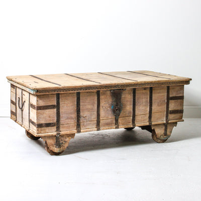 IFU0119-24 Vintage Indian Chest Coffee Table
