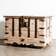IFU0120-05 Old Indian Chest on Wheels