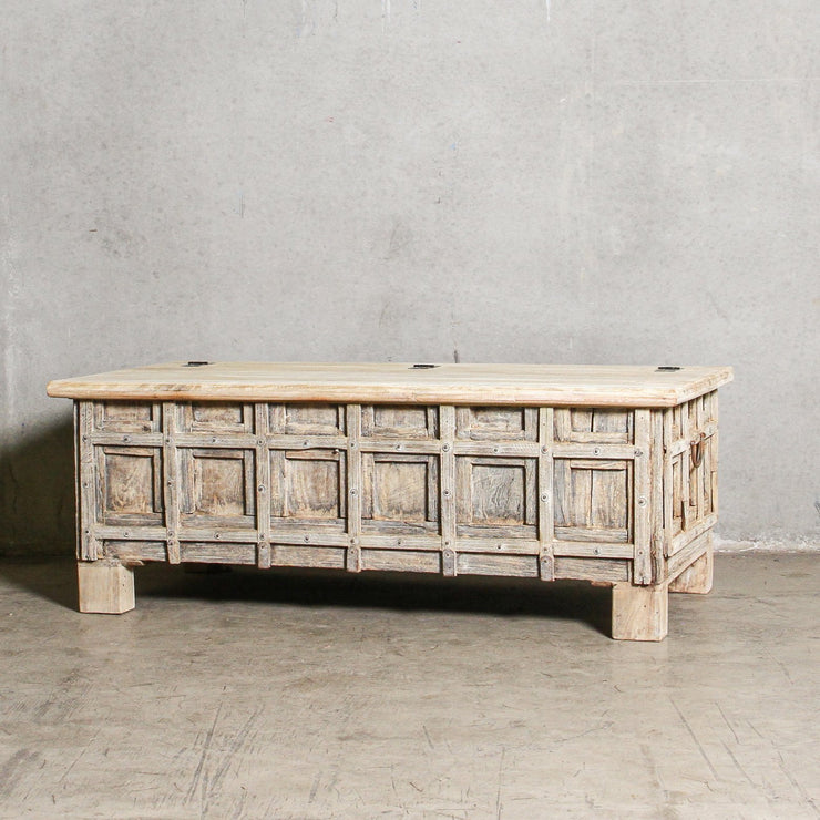 IFU0221-49 Vintage Indian Chest Coffee Table