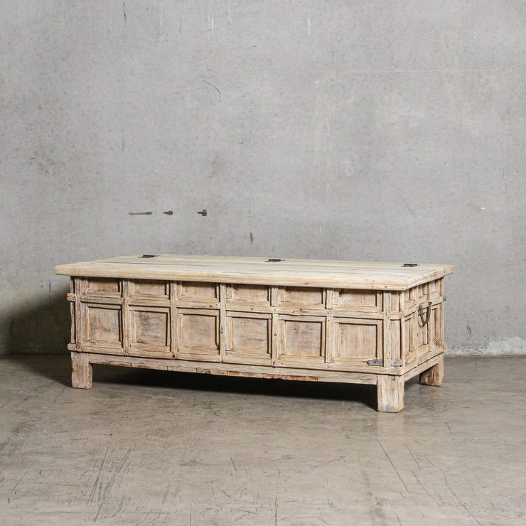 IFU0221-50 Vintage Indian Chest Coffee Table