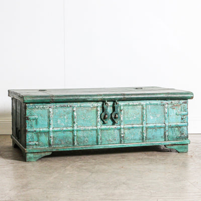 IFU0320-25 Vintage Indian Chest Coffee Table