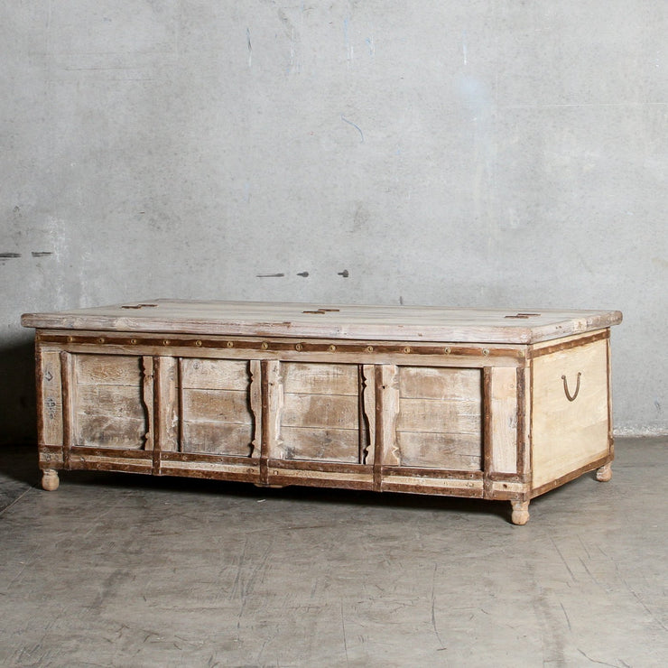 IFU0321-115 Vintage Indian Chest Coffee Table