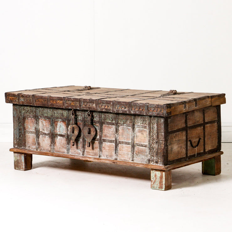 IFU0619-59 Vintage Indian Chest Coffee Table